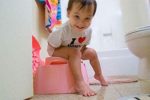Pottetræning: Sådan potte træner du dit barn