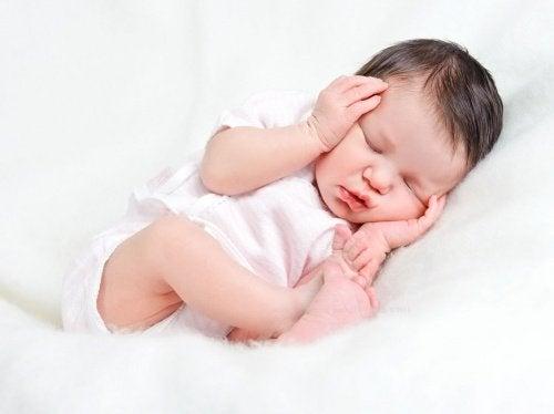 baby sover Sunde søvnvaner
