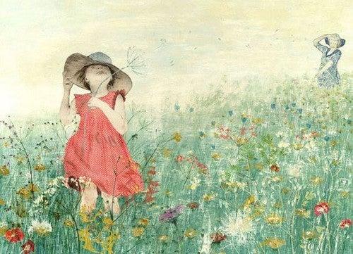 pige løber på en eng