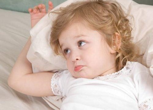 Hvorfor spørger børn om vand, når de er lagt i seng?