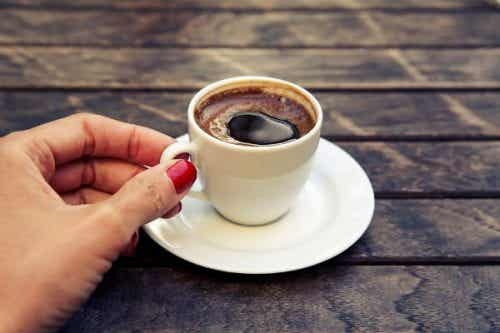 Effekten af koffein på babyer under amning