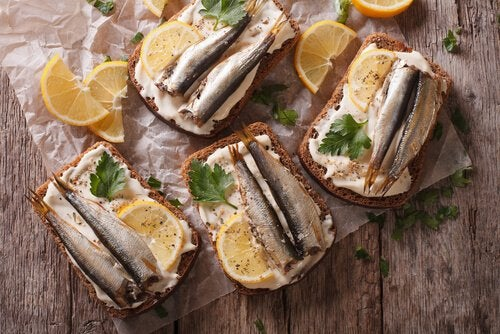 jernrige fødevarer til gravide kan være sardiner
