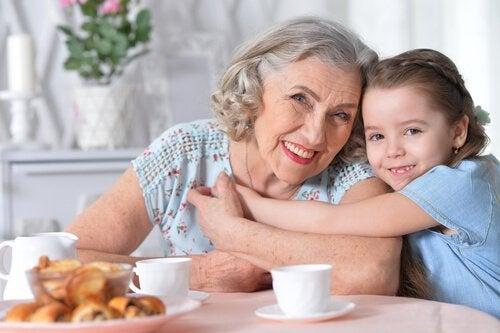 Betydningen af en farmor for dit barn er uerstattelig.