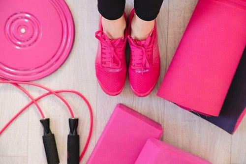 lyserøde træningsredskaber