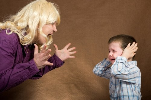 Håndter din vrede hvis du vil have dine børn til at lytte til dig