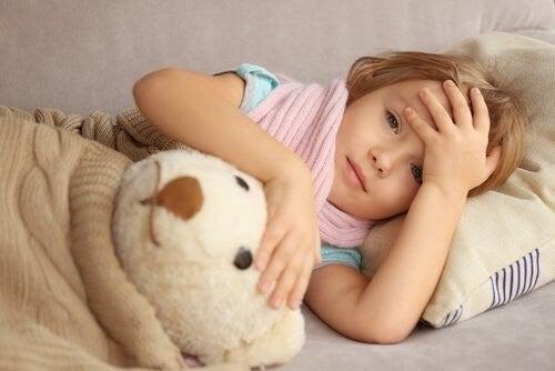 syg pige hviler sig