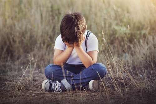 Følelsesmæssig Forsømmelse Hos Børn: 4 Tegn