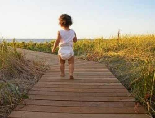 At Lære At Gå: 3 Øvelser, Der Hjælper Din Baby
