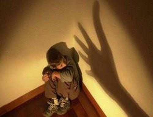børnemisbrug