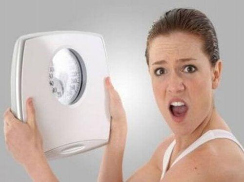 Amningen kan føre til vægttab eller vægtforøgelse