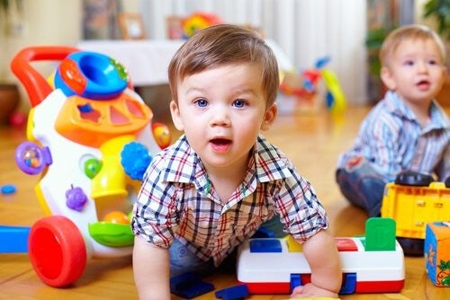 Motoriske Færdigheder i Din Baby: Sådan Stimulerer Du Dem