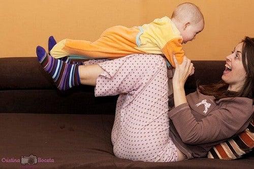 Ugentlige Aktiviteter i Din Babys Første År