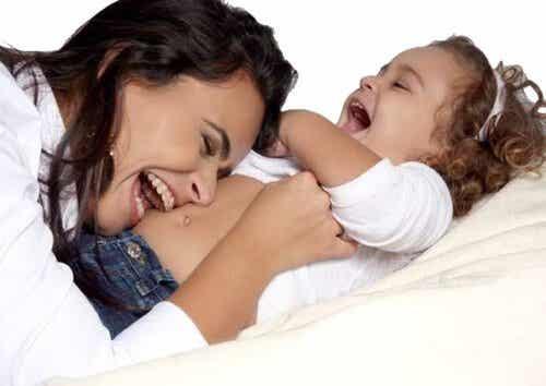 13 Måder At Vise Dit Barn Hvor Meget Du Elsker Dem