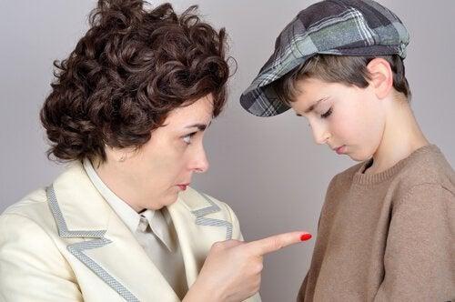 10 sætninger vi aldrig bør sige til vores børn
