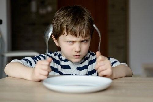 Derfor Skal Vi Ikke Tvinge Børn Til at Spise