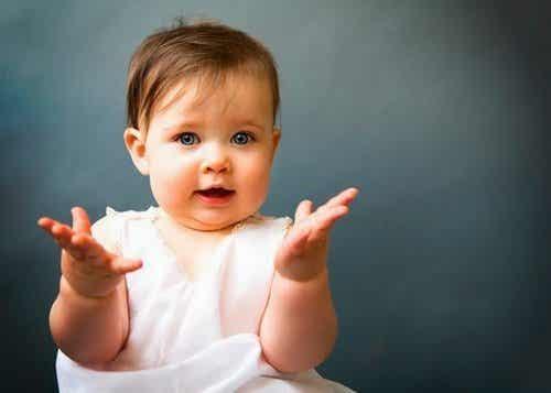 Hvordan du kan lære din babys tegnsprog
