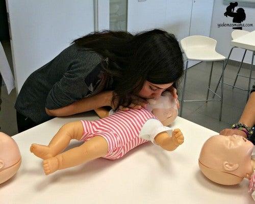 Pludselig vejrtrækningsstop: Sådan redder du dit barns liv
