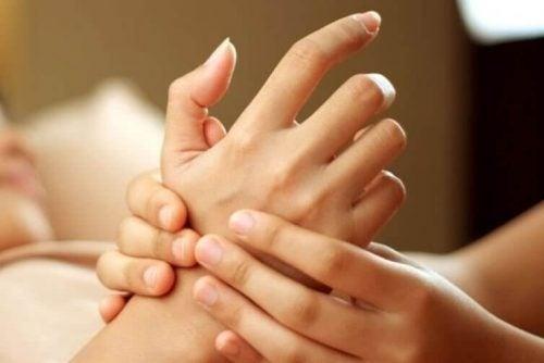 Hånd massage mod stress