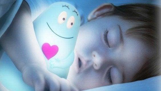 Hvorfor er det bedre for børn at sove i mørke?