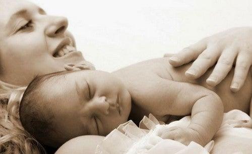 Hvis din baby hele tiden vil holdes: Det skal du gøre
