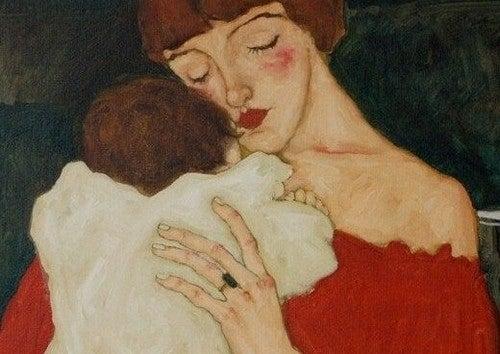 mor krammer sin baby