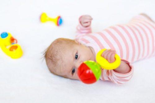 8 gode legetøj til nyfødte