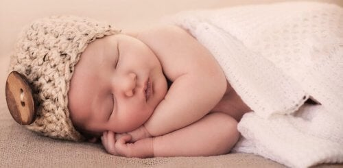 Grunde til at din baby ikke sover gennem natten