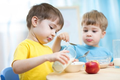 De 5 bedste snacks til børn at spise efter skole