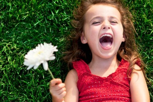 6 tips til at opdrage et glad barn