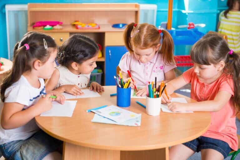 Fordele ved at børn kommer i skole før 3 års alderen