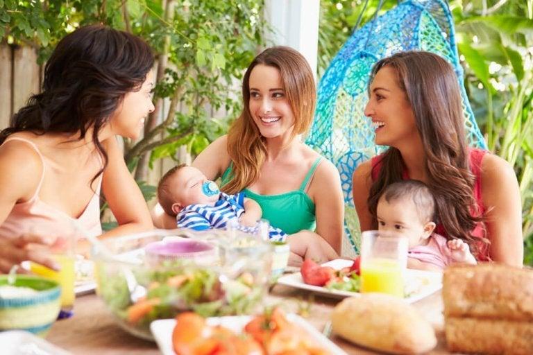 Nej, moderskab ødelægger ikke dine venskaber
