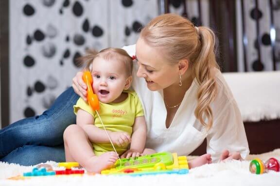 Råd til at stimulere din baby til at tale