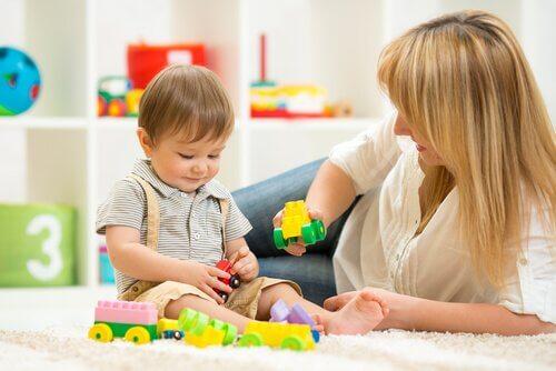 Uddannende legetøj til 2-årige børn