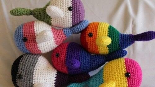 Farverige bamser kan styrke visuel udvikling