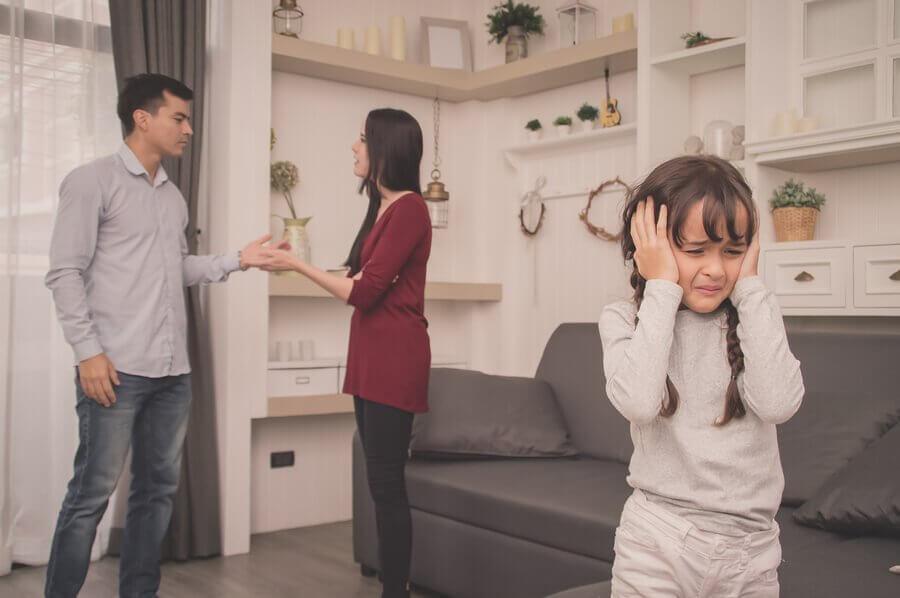 Forældre burde ikke skændes foran børn
