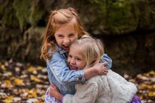Empati: Derfor skal du lære dine børn det