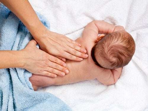 12 fordele ved spædbarnsmassage