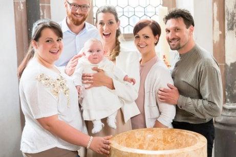 Gudforældrenes rolle i et barns liv