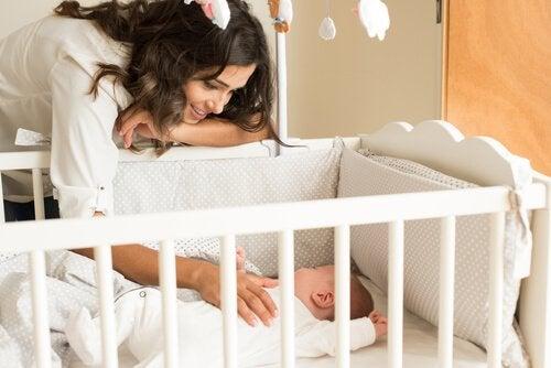 Hvordan skal din babys seng være?