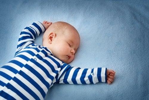 Vigtigheden af nakkerefleksen under babyens udvikling