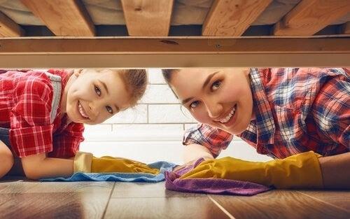 Huslige pligter: Lær dine børn at hjælpe til i hjemmet