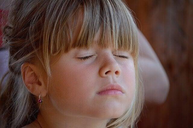 At lære børn kunsten af stilhed
