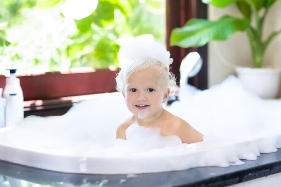 I hvilken alder bør børn bade alene?