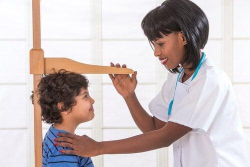 Mangel på væksthormon hos børn