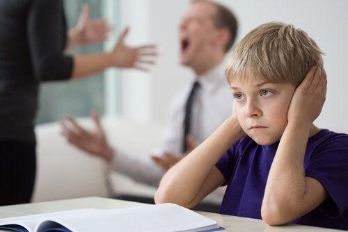 Konstant skænderi mellem forældre