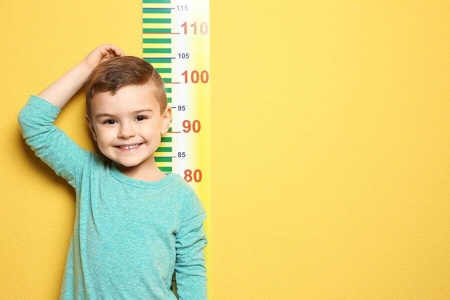 Væksten hos børn: Hvornår stopper de med at vokse?