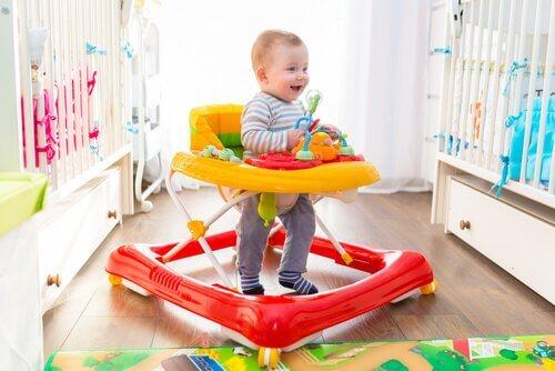 Fordele og ulemper ved baby walkers