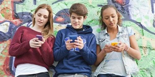 Nomofobi hos teenagere