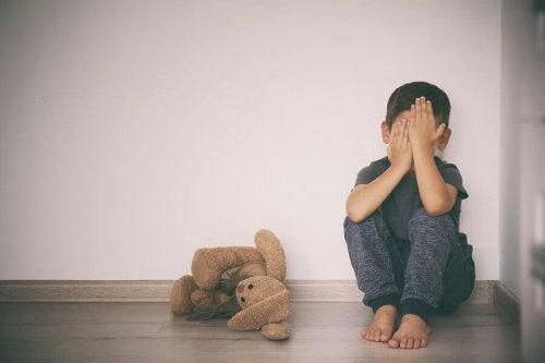 Hjælp dit barn med at overkomme frygt i barndommen