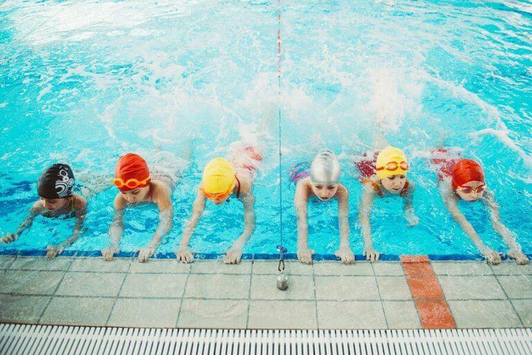 Hvorfor er det vigtigt, at børn lærer at svømme?